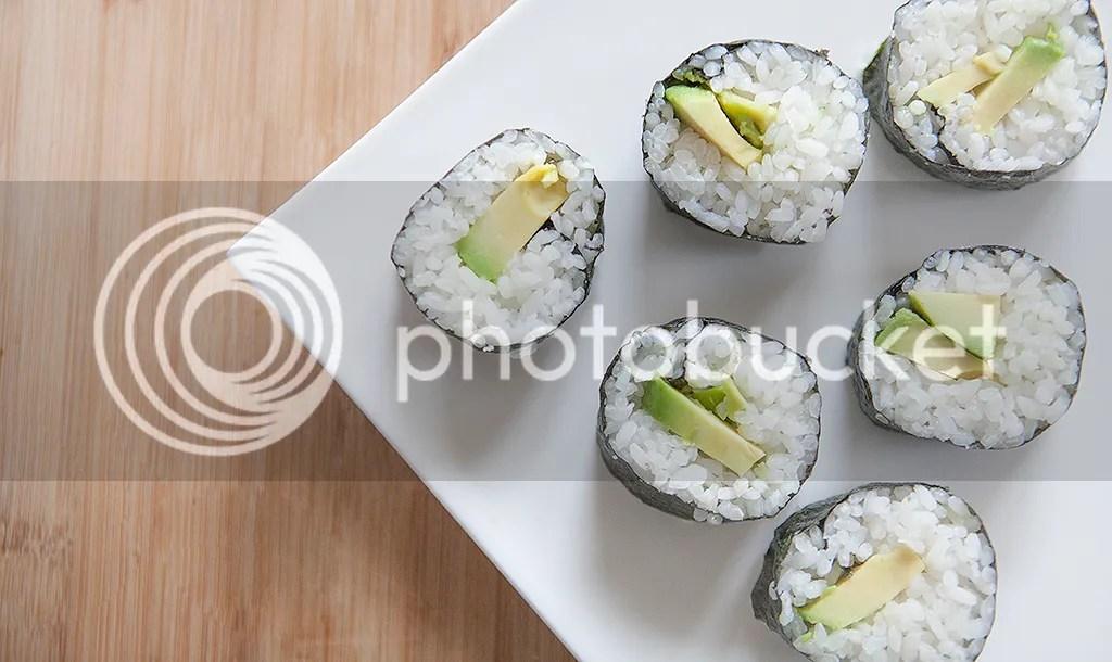 Sushi recept, zelf maken, norii, avocado, zalm, lief klein geluk