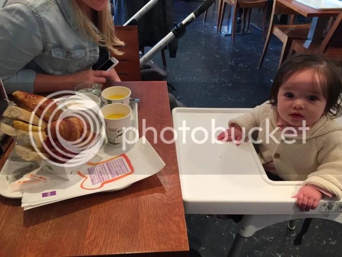 plog, liefkleingeluk, lief klein geluk, hema, ontbijt, kinderstoel, zwemmen, zwemmen met een baby, Femke & Fay