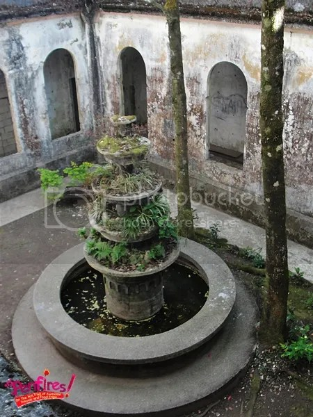 Fountain in the ruins at Dominican Hill