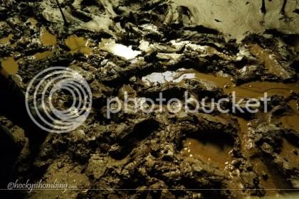 Becek sebecek-beceknya tanah di dalam goa Jomblang