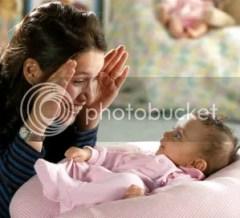 Bayi Ketawa - Bermain ci luk baa