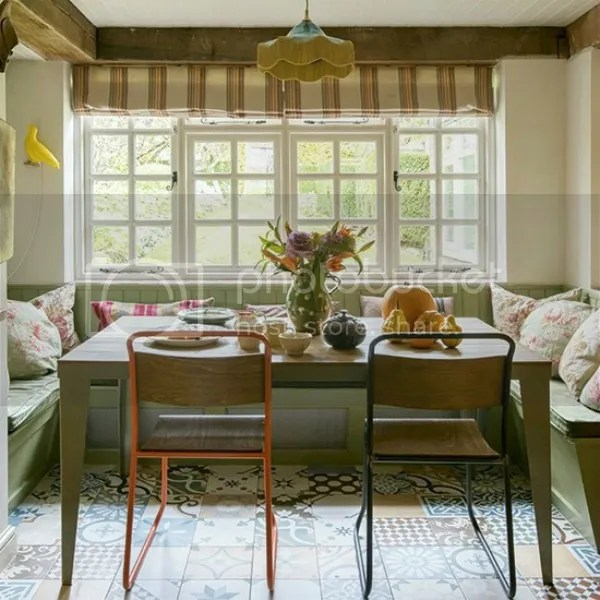 photo polly eltes for country homes and interiors photo east-sussex-home-breakfast-area.jpg