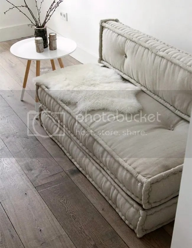 french_mattress_cushions_stacked_pinned_atelier_kamer26