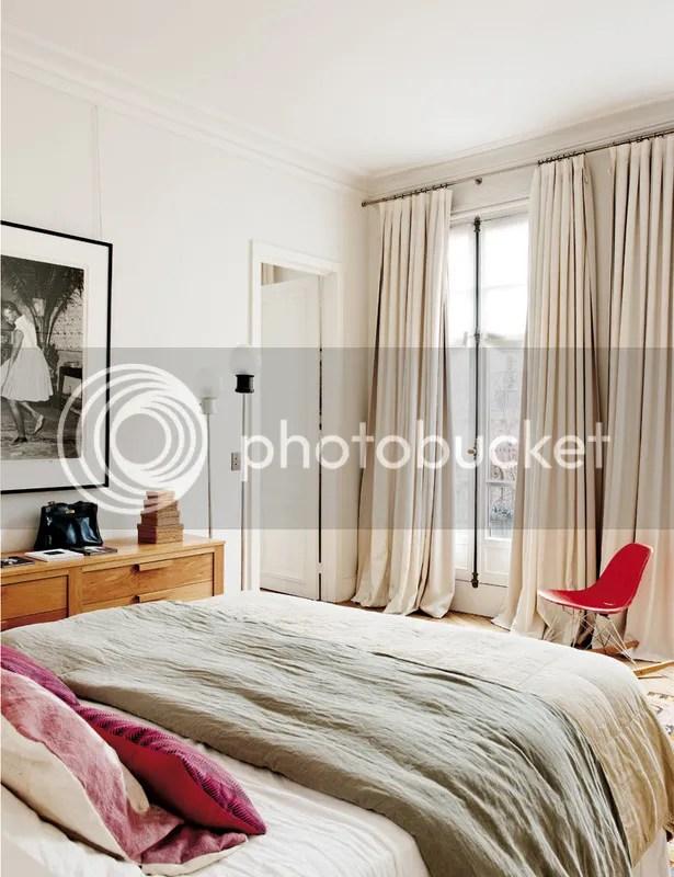 photo paris_home_bedroom.jpg