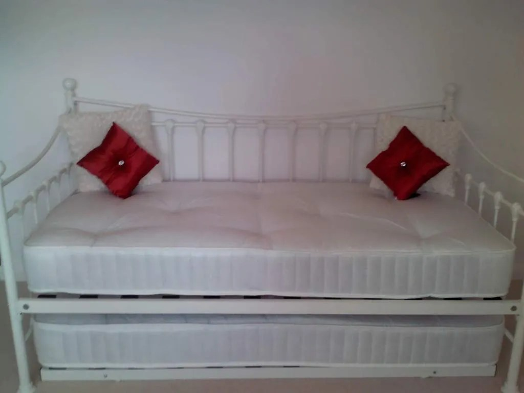 Pull Out Bed Under Bed Glossy Vanilla Daybed Versailles With Under Bed Pull Out