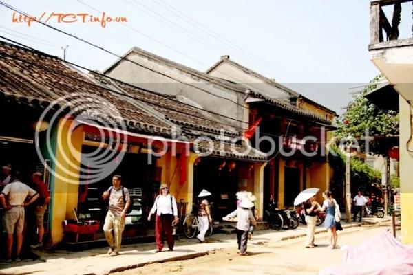 pho co hoi an15 Tour du lịch Đà Nẵng   Đô Thị Cổ Hội An   Cố Đô Huế