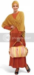 Pantai Baju Muslimah