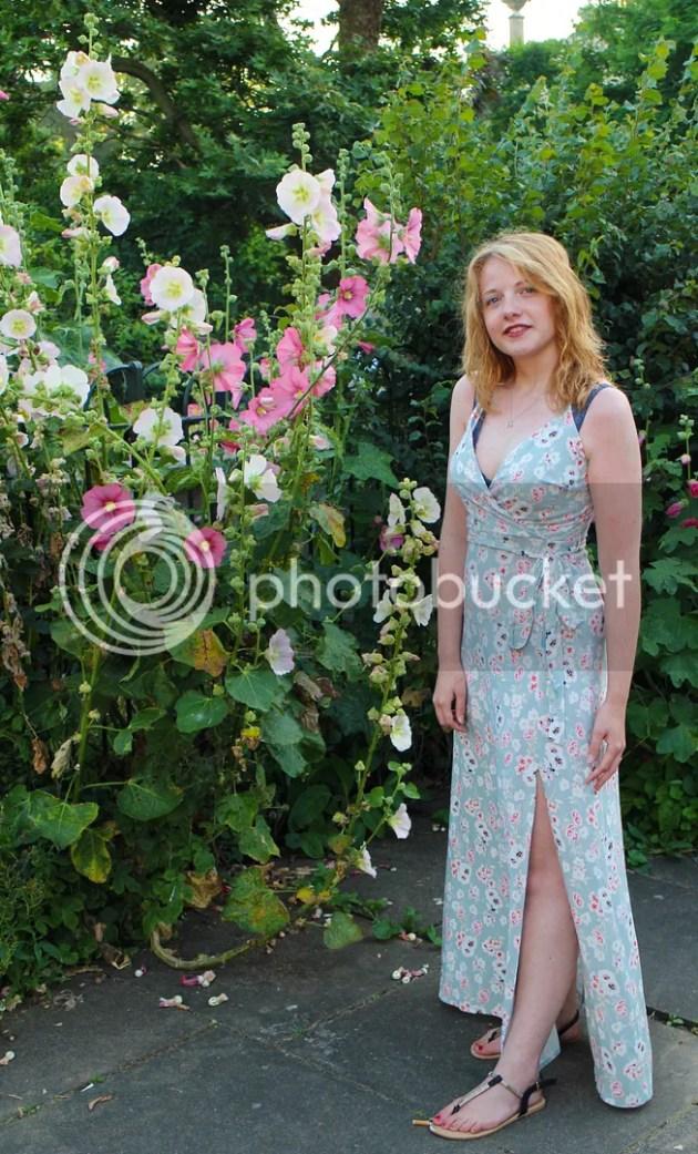 photo New Look Floral Maxi Dress 3_zpsi0lr670g.jpg