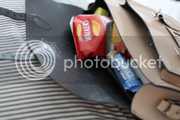 photo Whats In My Handbag - Intern Edition - 4_zpsrtuffmze.jpg