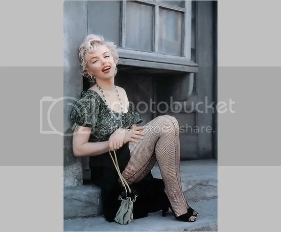 Beautiful Expersion Girl Wallpapers 15 Beautiful Marilyn Monroe Wallpapers For Iphone