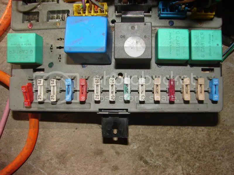 peugeot 306 fuse box layout