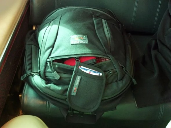 Tom Bihn Synapse 25 with the Pocket Pouch
