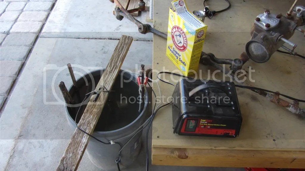 De-Rusting Bucket: Removing Rust From Steel And Cast Iron Parts