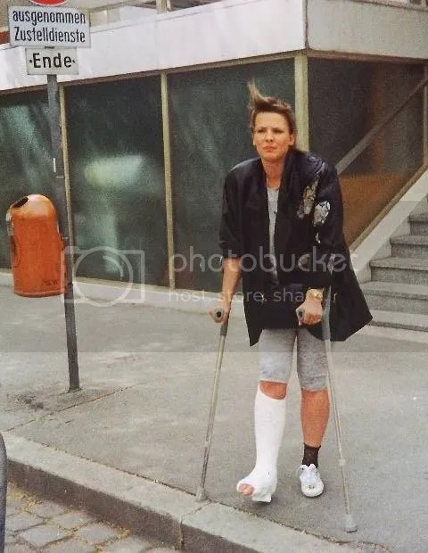 Hockey Girl Wallpaper Gips Cast Graphics Pictures Amp Images For Myspace Layouts