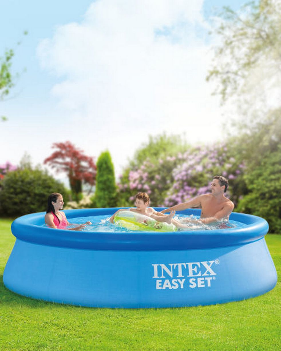 Aldi Intex Pool Aldi S Outdoor Play Specialbuys Teesside Live