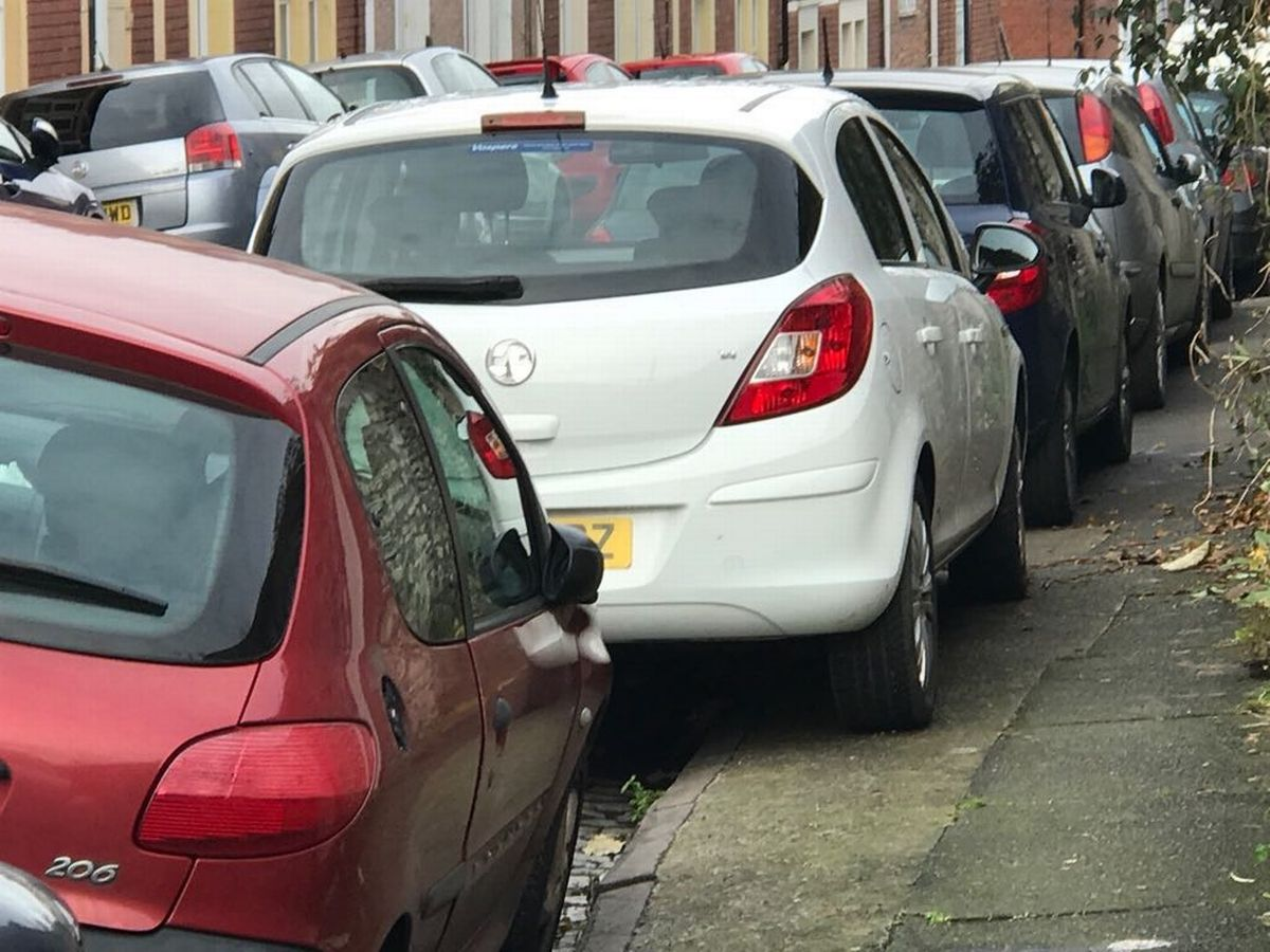 S2 Car Parking Mps Call For Ban Of Car Parking On Pavements Glasgow Live