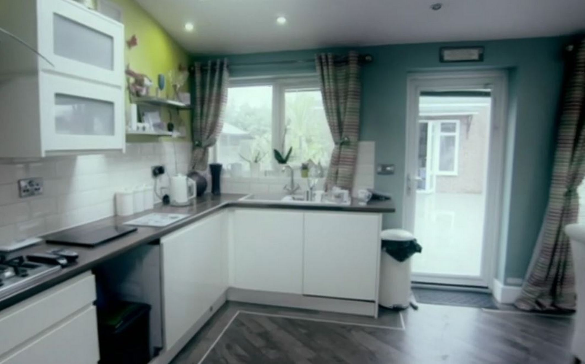 Diy Sos Kitchen Design Diy Sos Inside Darren S Hudson Home Before And After Hull Live