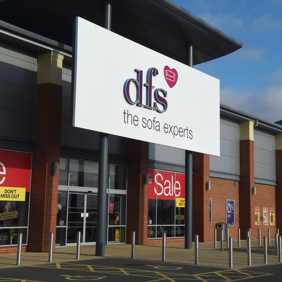 Dfs To Reopen 88 Showrooms Today The Full List Manchester Evening News