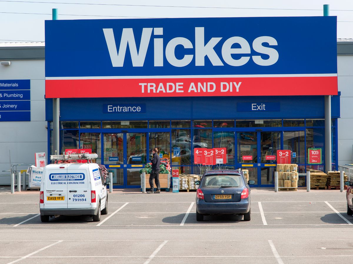 Diy Bank Holiday Offers Wickes Ad Banned After Diy Chain Advertises Item For 50 Off