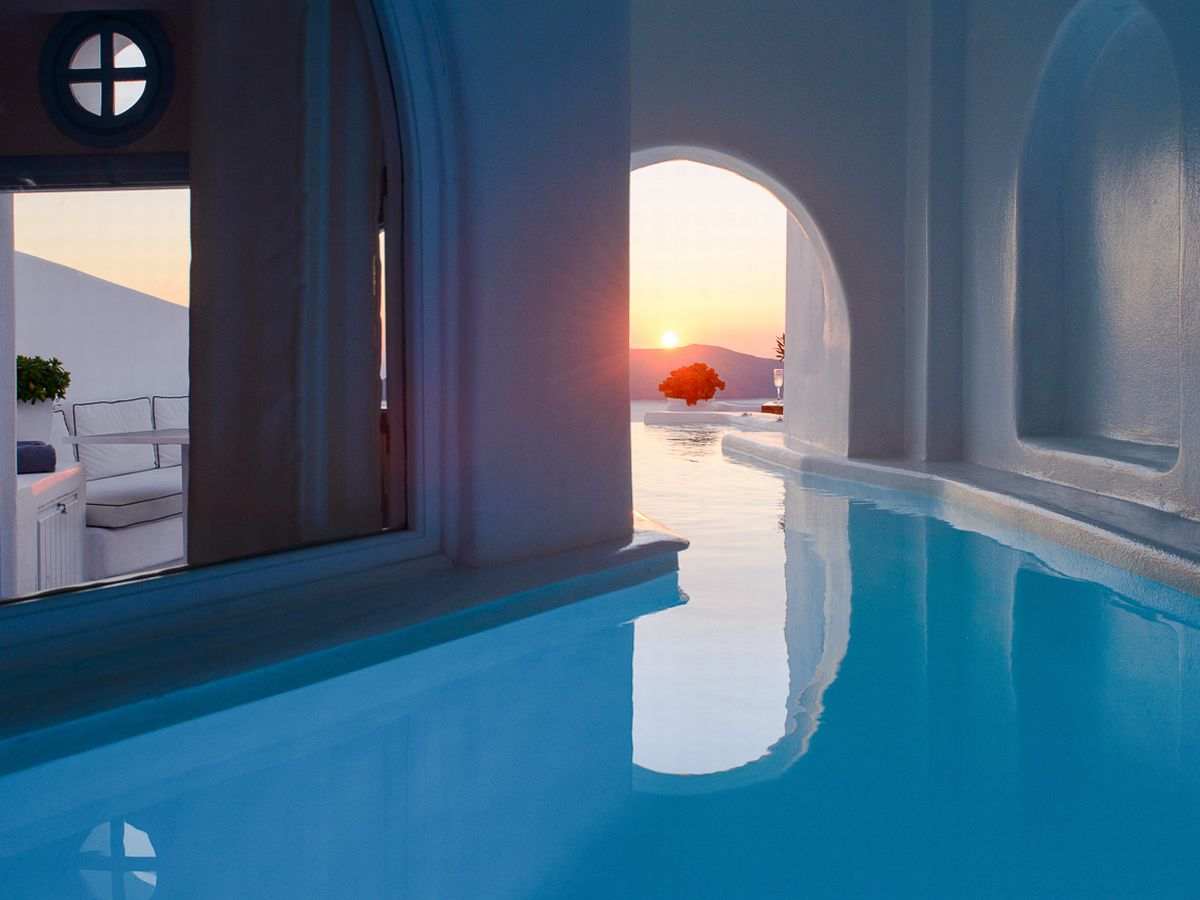 Jacuzzi Pool Top Caps This Santorini Hotel Has Rooms With Secret Tunnels Leading To