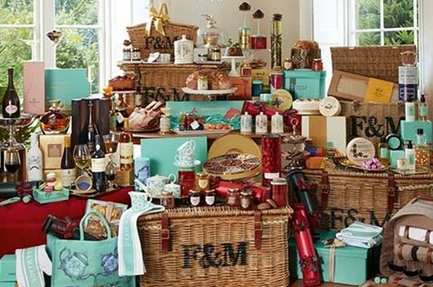 Fortnum And Mason39s Christmas Hamper Costs 6000 And
