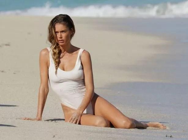 Victoria39s Secret Model Doutzen Kroes Flaunts Stunning