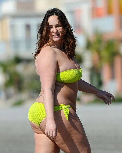 Chanelle Hayes in a lime green bikini at the beach in Alicante, Spain. - Mirror Online