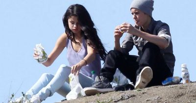 Justin Bieber and Selena Gomez on romantic picnic date in the park - Mirror Online