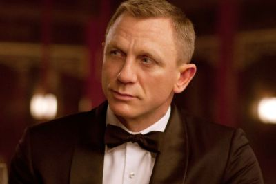 Daniel Craig 'offered $150million' to play James Bond for TWO more films - Mirror Online