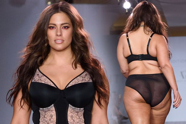 Dimple Girl Wallpaper Plus Size Model Ashley Graham Showcases Her Curves In