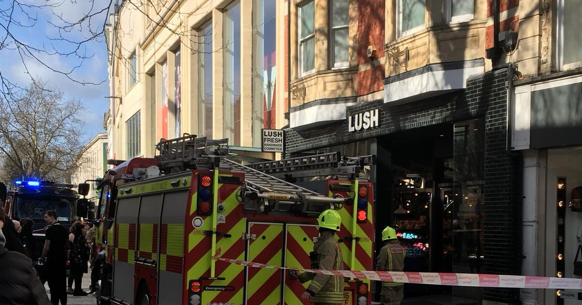 Five Fire Engines Close Off Part Of Cardiff39s Queen Street