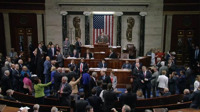 Gemist Democrats Sing 39goodbye39 After Vote