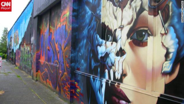 3d Urban New York Mural Wallpaper From Graffiti To Galleries Street Vs Public Art Cnn Com