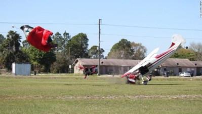 Plane hits parachute in Polk County, Florida - CNN.com