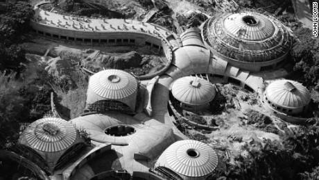 The School of Ballet, designed by Vittorio Garatti, under construction