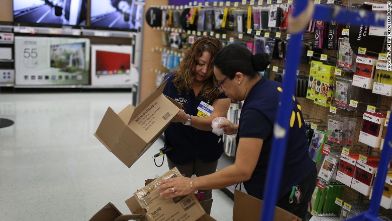 Walmart increasing wages; union says it\u0027s all show
