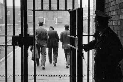 St Giles Trust: Could mentors meeting ex-cons at prison gates be best way to stop them returning ...