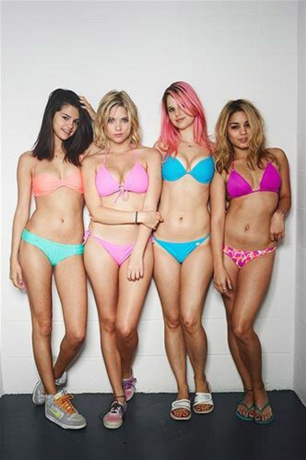 Cute Barbie Images For Wallpaper Selena Gomez Strips Off In Underwear For Spring Breakers