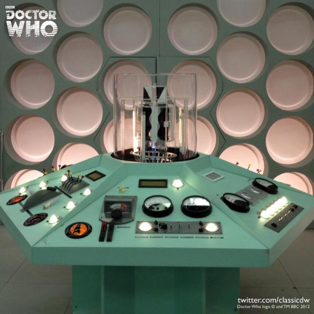 Excellent Reconstruction of The First Doctor's TARDIS Set