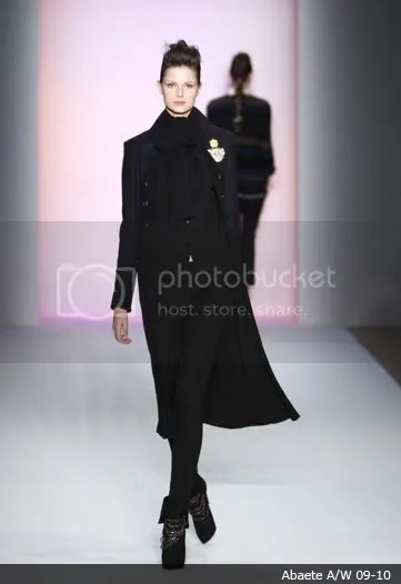 Female Dandy: on the runway, Autumn(Fall)/Winter 2009-2010