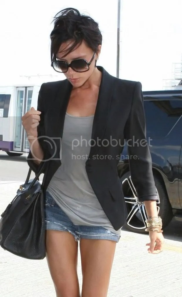 Victoria Beckham at LAX, June 7, 2009