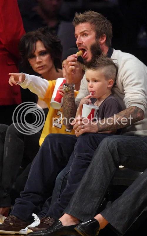 Victoria Beckham at an LA Lakers basketball game, November 2009