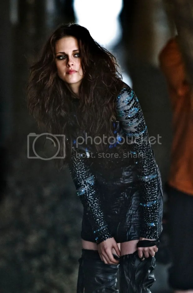 Kristen Stewart photoshoot for Allure Magazine: behind the scenes