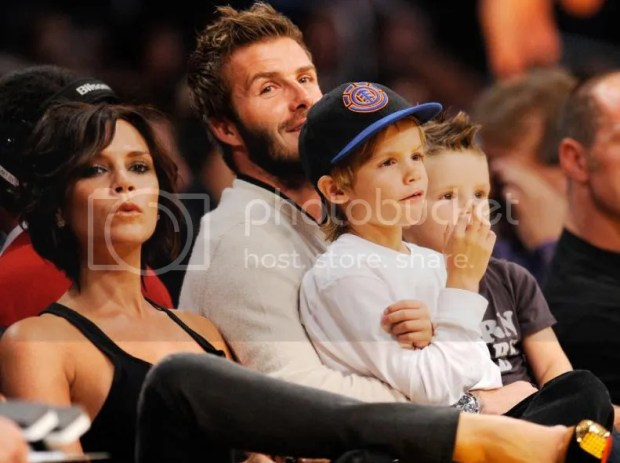 Victoria Beckham at an LA Lakers basketball game, November 2009
