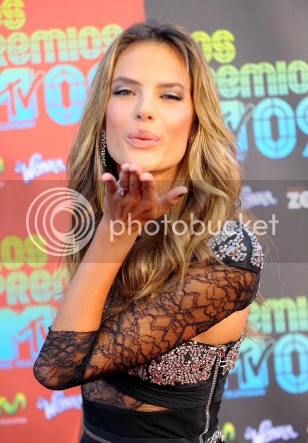 Alessandra Ambrosio at Los Premios MTV 2009