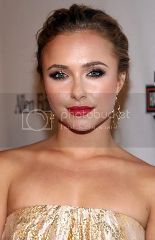 Hayden Panettiere at Hollywood Entertainment Museum