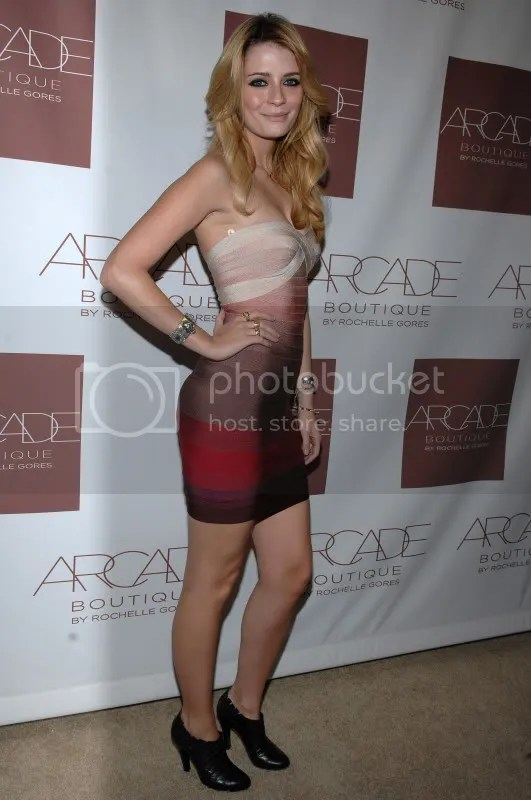 Mischa Barton at Arcade Boutique opening