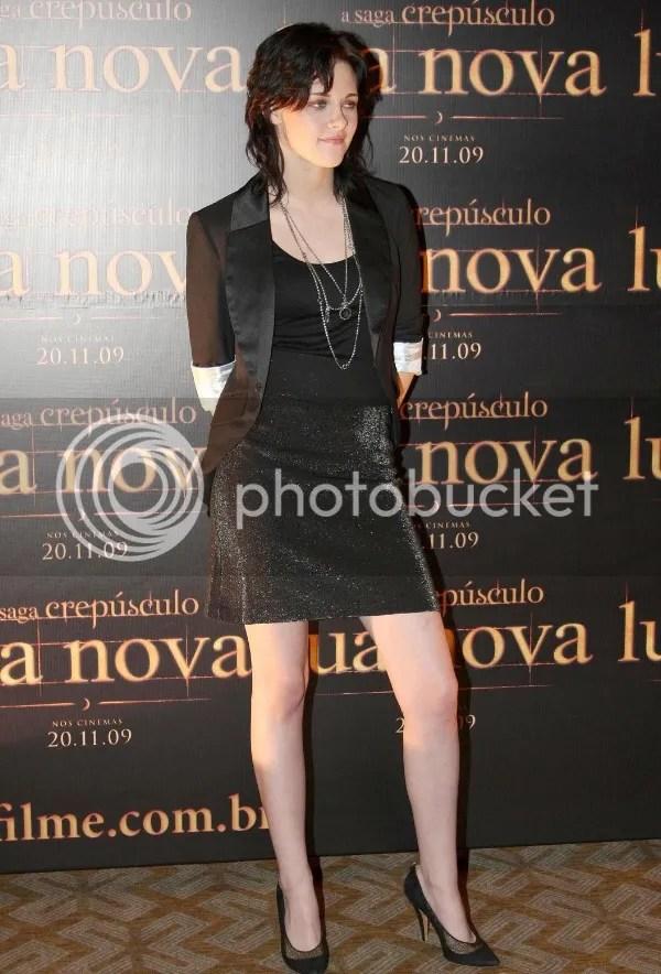 Kristen Stewart wears the Boyfriend blazer