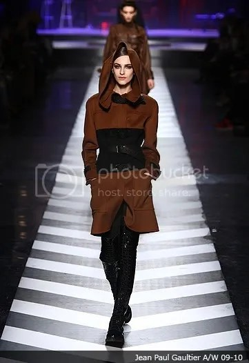Over-the-knee / thigh high boots on the runway: 2009-2010