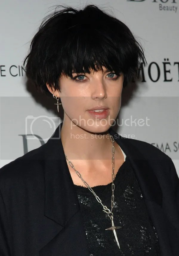 Agyness Deyn's Black Bed Hair